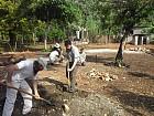 Волонтеры строят классную комнату для учеников школы блаж. Августина в Жакмеле.