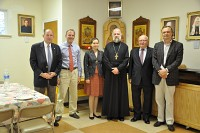 Члены совета директоров и сотрудники<br/> Попечительского Фонда<br/>в соборе Св. Иоанна Предтечи в Вашингтоне.