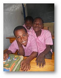 Ученики школы Foyer d'Amour.