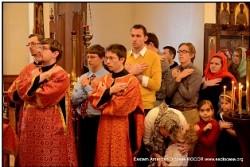 Большинство участников обычно причащается<br/> Св.Христовых Таин во время съезда.